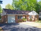 Vivienda unifamiliar for  sales at Renovated 453 12th St  Cresskill, Nueva Jersey 07626 Estados Unidos