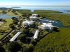 Casa Unifamiliar for  sales at Condominium Living at Ocean Reef 28 Barracuda Lane  Ocean Reef Community, Key Largo, Florida 33037 Estados Unidos