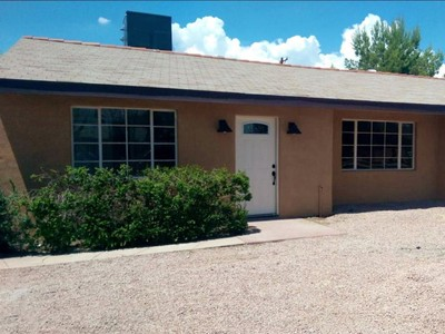 Maison unifamiliale for sales at Totally Renovated 4 Bedroom In Great Central Neighborhood 2717 E Stratford Drive Tucson, Arizona 85719 United States