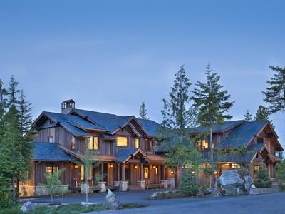 Vivienda unifamiliar for sales at Beautifully Detailed Home 105 Yarrow Drive Whitefish, Montana 59937 Estados Unidos