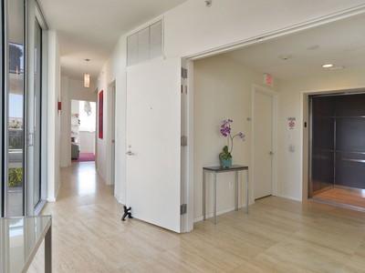 Кооперативная квартира for sales at Ana Capri 501 1470 16 St 501  Miami Beach, Флорида 33139 Соединенные Штаты