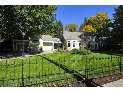一戸建て for sales at Lovely, Historic Zionsville Home 160 E Willow St  Zionsville, インディアナ 46077 アメリカ合衆国