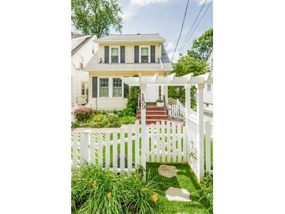 Moradia for sales at Manor Woods Colonial 159 Columbia Avenue Hartsdale, Nova York 10530 Estados Unidos