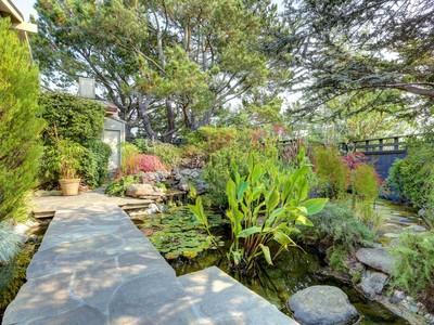 獨棟家庭住宅 for sales at Beautiful Bay View Home 24 Hillcrest Road Tiburon, 加利福尼亞州 94920 美國