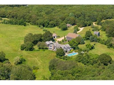 Nhà ở một gia đình for sales at Country Estate on Martha's Vineyard 140 Merry Farm Road West Tisbury, Massachusetts 02575 Hoa Kỳ