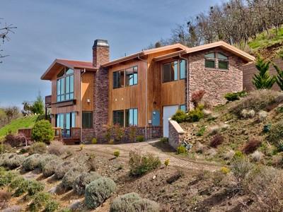 Maison unifamiliale for sales at 3865 Surrey Drive   Medford, Oregon 97501 États-Unis
