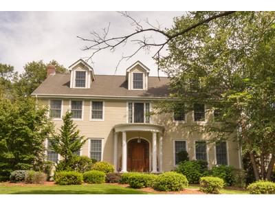 단독 가정 주택 for sales at Gorgeous Custom-Built Colonial 17 Morningside Lane Lincoln, 매사추세츠 01773 미국