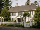 단독 가정 주택 for  sales at Antique Colonial Set on 4 Beautiful Acres 135 Deerfoot Road Southborough, 매사추세츠 01772 미국