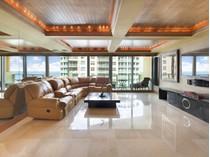 Condominium for sales at Il Villaggio 1110 1455 Ocean Dr. Unit 1110   Miami Beach, Florida 33139 United States