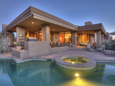 Maison unifamiliale for sales at Golfer's Lock & Leave Paradise in Desert Mountain 10010 E Taos Drive Scottsdale, Arizona 85262 États-Unis