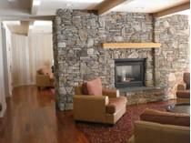 Condominio for sales at Clay Brook Sugarbush Access Road Unit #210-212   Warren, Vermont 05674 Stati Uniti