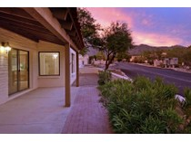 Casa Unifamiliar Adosada for sales at Fabulous Sunrise Presidio Townhome In Perfect Catalina Foothills Location 5750 E Camino Del Tronido   Tucson, Arizona 85750 Estados Unidos
