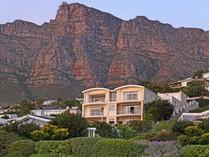 联栋屋 for sales at Landmark Home with Magical Mountain Backdrop and Superb Ocean Views  Cape Town, 西开普省 8001 南非