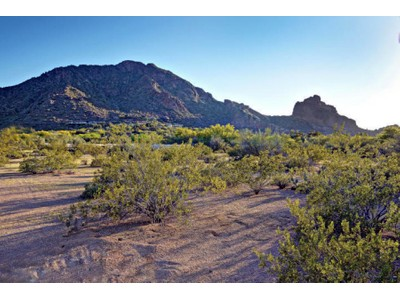 Đất đai for sales at Fabulous 3 Acre Horse Property in Nauni Valley Ranch with Breathtaking Mtn Views 6112 N Nauni Valley Drive Paradise Valley, Arizona 85253 Hoa Kỳ