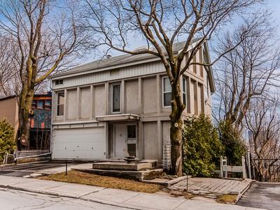Vivienda unifamiliar for sales at Montréal 3170 Place de Ramezay  Montreal, Quebec H3Y2B5 Canadá