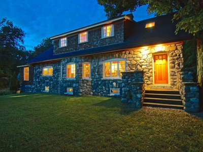 Einfamilienhaus for sales at Stone Cottage 255 Portsmouth Avenue Greenland, New Hampshire 03840 Vereinigte Staaten