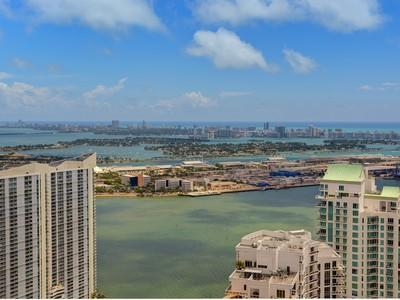 Кооперативная квартира for sales at Icon Brickell 495 Brickell Av. Unit 5610 Miami, Флорида 33131 Соединенные Штаты
