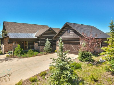 Maison unifamiliale for sales at Stunning Promontory Ranch Club Cabin with Pete Dye Course Views 3369 Tatanka Trail Park City, Utah 84098 États-Unis