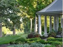 Maison unifamiliale for sales at Chip Shot To The Green 10 Humble Lane   Weston, Connecticut 06883 États-Unis