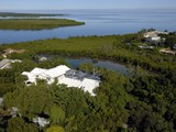 Maison unifamiliale for sales at Florida Keys Retreat at Ocean Reef 40-42 Cardnal Lane Key Largo, Florida 33037 États-Unis