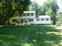 Vivienda unifamiliar for sales at Beautiful Colonial 11 Mallard Lane   Westport, Connecticut 06880 Estados Unidos