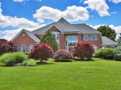 단독 가정 주택 for sales at 14 Twin Lakes Dr  Colts Neck, 뉴저지 07722 미국
