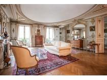 Квартира for sales at Paris 8 - Malesherbes  Paris, Париж 75008 Франция