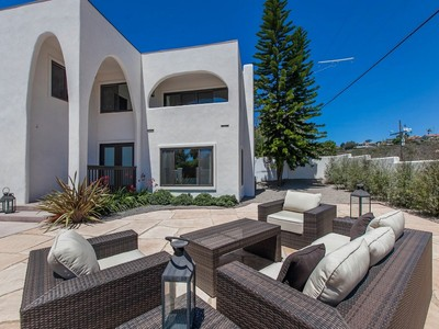 Casa Unifamiliar for sales at 1770 Alta Vista Way  San Diego, California 92109 Estados Unidos