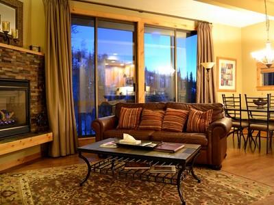 Maison de ville for sales at Storm Meadows Townhome 2415 Storm Meadows Drive #9 Steamboat Springs, Colorado 80487 United States