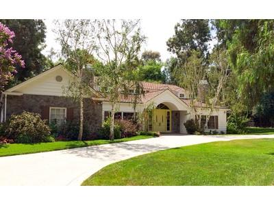 Maison unifamiliale for sales at 24854 Jim Bridger Rd.  Hidden Hills, Californie 91302 États-Unis