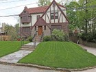 獨棟家庭住宅 for  sales at Move-in Ready Spacious Fieldston Tudor 4746 Iselin Avenue   Riverdale, 紐約州 10471 美國