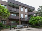Appartement en copropriété for sales at Beatiful Living Space! 1000 Deerfield Road Unit 203 Highland Park, Illinois 60035 États-Unis
