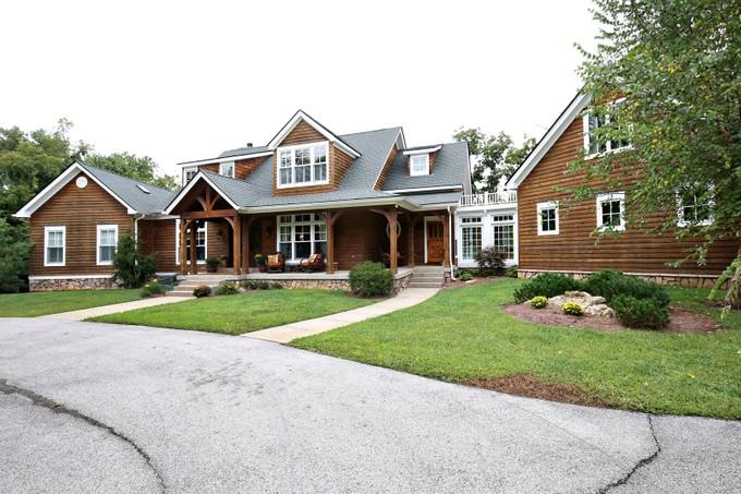 Vivienda unifamiliar for sales at 1707 Magnolia Lane   Anchorage, Kentucky 40223 Estados Unidos