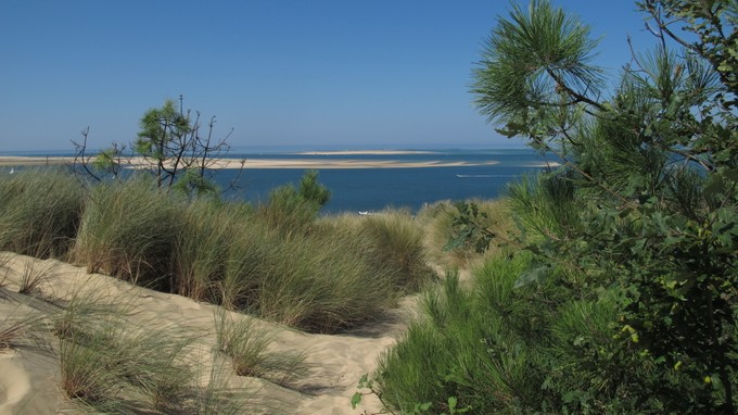 Einfamilienhaus for sales at View of the Bassin d'Arcachon exceptional villa on  Pyla Sur Mer, Aquitanien 33115 Frankreich