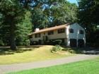 Villa for  sales at 340 Prayer Spring Road   Stratford, Connecticut 06614 Stati Uniti