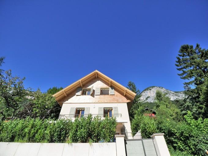 Maison unifamiliale for sales at Maison rénovée  Veyrier, Rhone-Alpes 74290 France