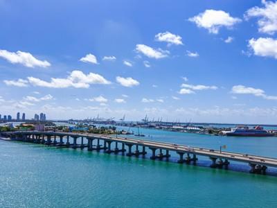Condominium for sales at 55 NE 15 ST #19-H 555 NE 15 ST #19-H  Miami, Florida 33132 United States