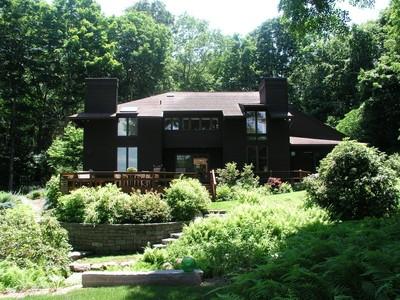 Maison unifamiliale for sales at Striking Contemporary 160 River Road Essex, Connecticut 06426 États-Unis