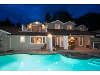 Maison unifamiliale for sales at Ambleside View Property 1155 Mathers Avenue  West Vancouver, Colombie-Britannique V7T2G4 Canada