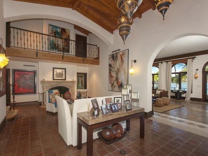 Moradia for sales at 2050 N Bay Road  Miami Beach, Florida 33140 Estados Unidos