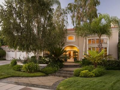 Maison unifamiliale for sales at 25855 Chalmers Place  Calabasas, Californie 91302 États-Unis