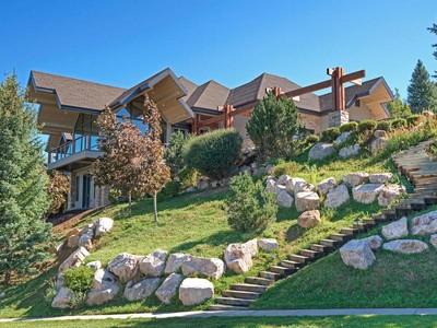 단독 가정 주택 for sales at Panoramic Views From Stone Ridge 1445 S Ridge Point Dr Bountiful, 유타 84010 미국