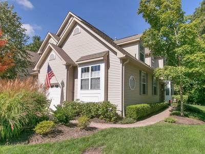 Eigentumswohnung for sales at Condo in Beautiful Brielle 8 Courtyard Ln  Brielle, New Jersey 08730 Vereinigte Staaten