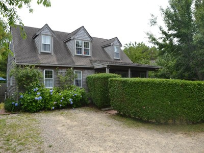 一戸建て for sales at Surfside House and Cottage 1 Dooley Court Nantucket, マサチューセッツ 02554 アメリカ合衆国