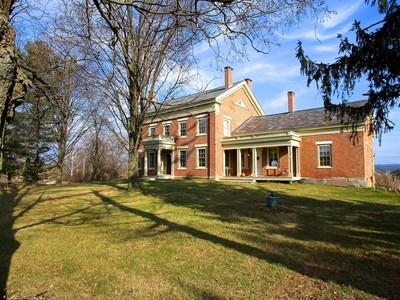 Einfamilienhaus for sales at Kingston Place 1293 Park Hill Road  Benson, Vermont 05743 Vereinigte Staaten