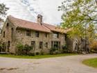 단독 가정 주택 for  sales at French Style Granite Mansion 579 Chestnut Street Ashland, 매사추세츠 01721 미국