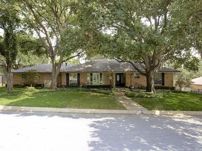 獨棟家庭住宅 for sales at 6304 Inca Road  Fort Worth, 德克薩斯州 76116 美國