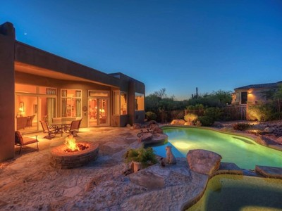 Частный односемейный дом for sales at Charming & Immaculately Maintained Home On A Cul De Sac Lot With Desert Views 11204 E Dale Lane Scottsdale, Аризона 85262 Соединенные Штаты