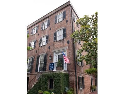 独户住宅 for sales at Historic Savannah 244 East Oglethorpe Avenue Savannah, 乔治亚州 31401 美国