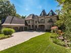 Casa para uma família for  sales at Saint-Bruno-de-Montarville 550 Rue du Moulin Saint Bruno De Montarville, Quebec J3V6K9 Canadá